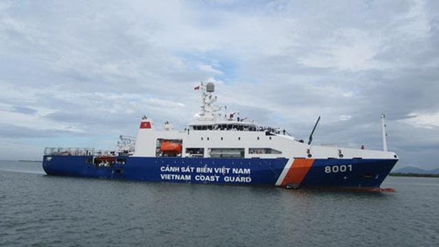 Hệ thống động lực của tàu gồm 04 máy chính lai 02 trục chân vịt, 02 chân vịt tiến bước. Công suất máy chính 04x2240KW cho phép đạt tốc độ tối đa 21,3 hải lý/h, tầm hoạt động 5.000 hải lý.