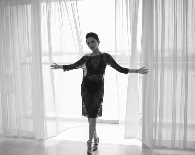 Với MV này, Tóc Tiên muốn cho khán giả của cô thấy một Tóc Tiên đã trưởng thành cả về cá tính âm nhạc cũng như phong cách trình diễn của mình.