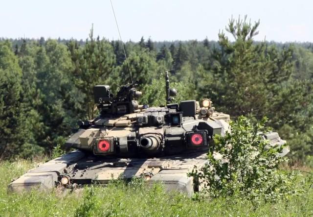 """""""Cỗ máy chiến tranh"""" đáng sợ T-90"""