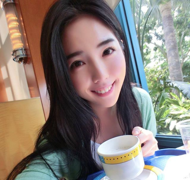 Nhiều người cho rằng nụ cười củaChu Kỳ Úc rất giống Yui.
