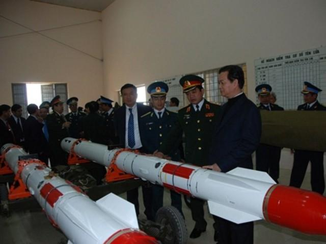 Tên lửa R-27 phiên bản đầu dò radar được bảo quản tại trung đoàn 923