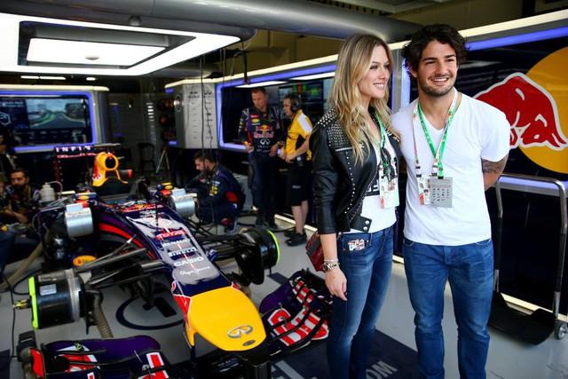 Pato và tình mới đi xem đua xe F1
