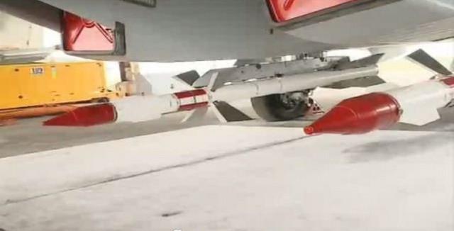 Tên lửa R-27 được lắp trên máy bay Su-30 Việt Nam