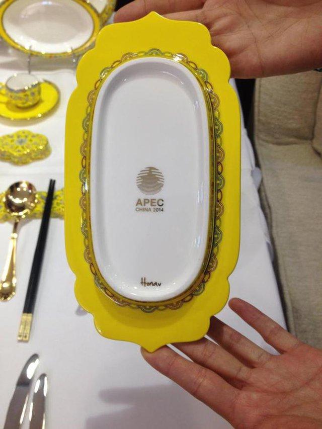 Một chiếc đĩa dùng trong bàn yến tiệc tại Trung Quốc trong dịp APEC 2014.