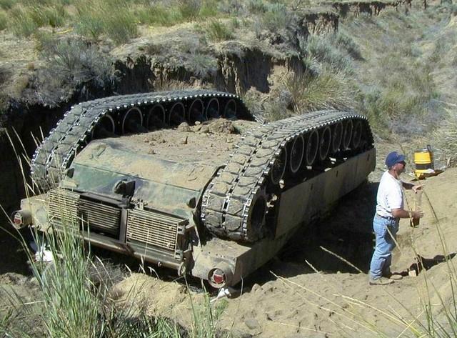 M1A1 của Mỹ bị đổ lật ngửa bụng