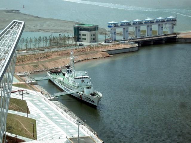 Tàu tuần tra lớp sông Hàn số hiệu 1002, gia nhập biên chế năm 2012