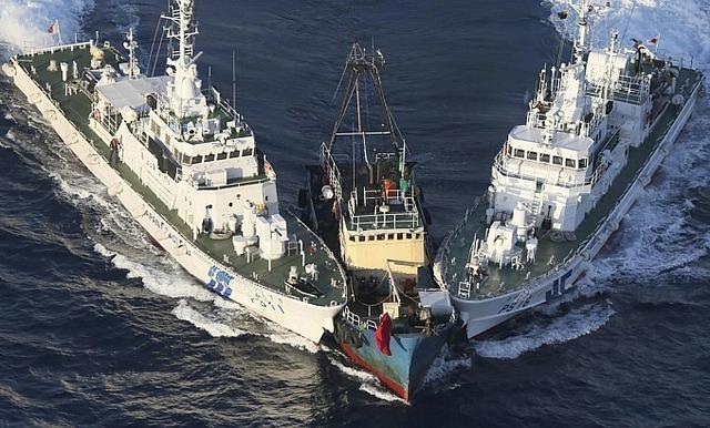 Tàu sử dụng 2 động cơ động cơ diesel 9400ps, tốc độ tối đa 35 hải lý/h.