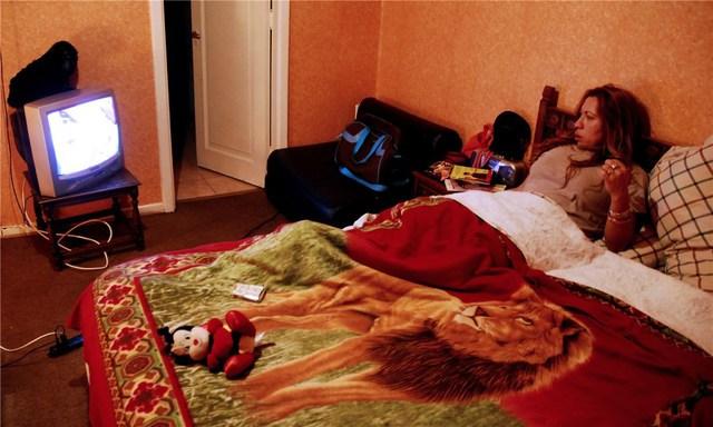 Làm việc chủ yếu vào ban đêm, sau đó gái mại dâm chuyên nghiệp chủ yếu ngủ cả ngày