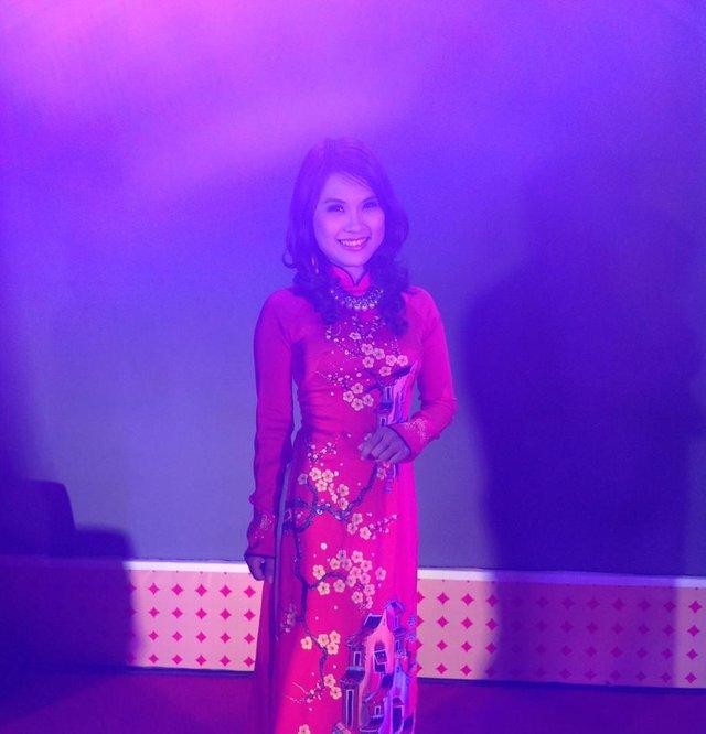 Ngoài đam mê với nghề MC, Thùy Dương còn có 1 đam mê đặc biệt khác dành cho tà áo dài Việt Nam. Chị rất thích mặc áo dài và thường xuyên chọn trang phục này cho những lần đi dẫn sự kiện. Theo chia sẻ của Thùy Dương, trong tủ quần áo của chị có khoảng 50 bộ áo dài.