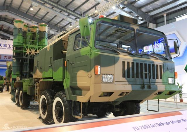 Trong khi đó, theo thông tin được Trung Quốc công bố, hệ thống phòng không HQ-9 (phiên bản xuất khẩu FD-2000) là hệ thống tên lửa phòng không thế hệ mới của Trung Quốc, có tầm phóng đạt 125 km, khả năng tác chiến phòng không trong mọi điều kiện thời tiết, có thể đánh chặn các loại máy bay, vũ khí dẫn đường chính xác.