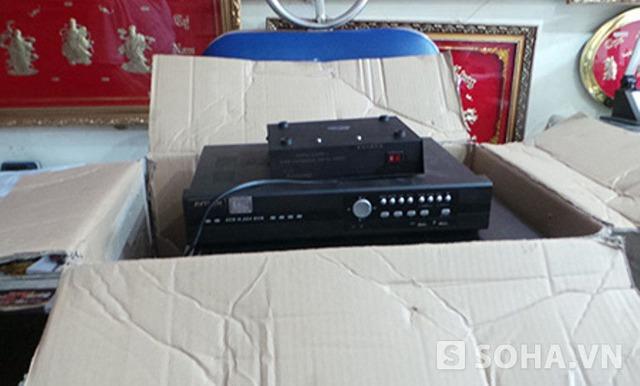 Một số thiết bị của tiệm vàng Hoàng Mai bị công an quận Bình Thạnh thu giữ trước đó được trả lại