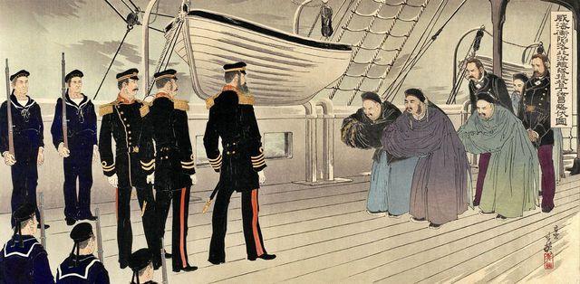 Các lực lượng quân Trung Quốc, với các cố vấn nước ngoài, đầu hàng Đô đốc Nhật Bản Sukeyuki Ito tại Trận Uy Hải Vệ. Tranh minh họa.