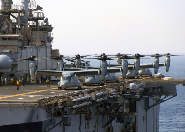 MV-22 trên tàu đổ bộ lớp Wasp