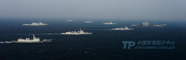Tàu sân bay Liêu Ninh và biên đội tàu hộ tống