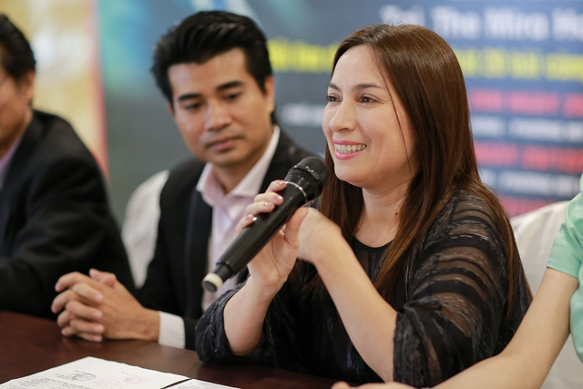 Chia sẻ về sự có mặt của mình trong liveshow lần này Phi Nhung cho biết cô cảm giác hạnh phúc muốn ngất vì Chế Linh là người mà cô thần tượng.