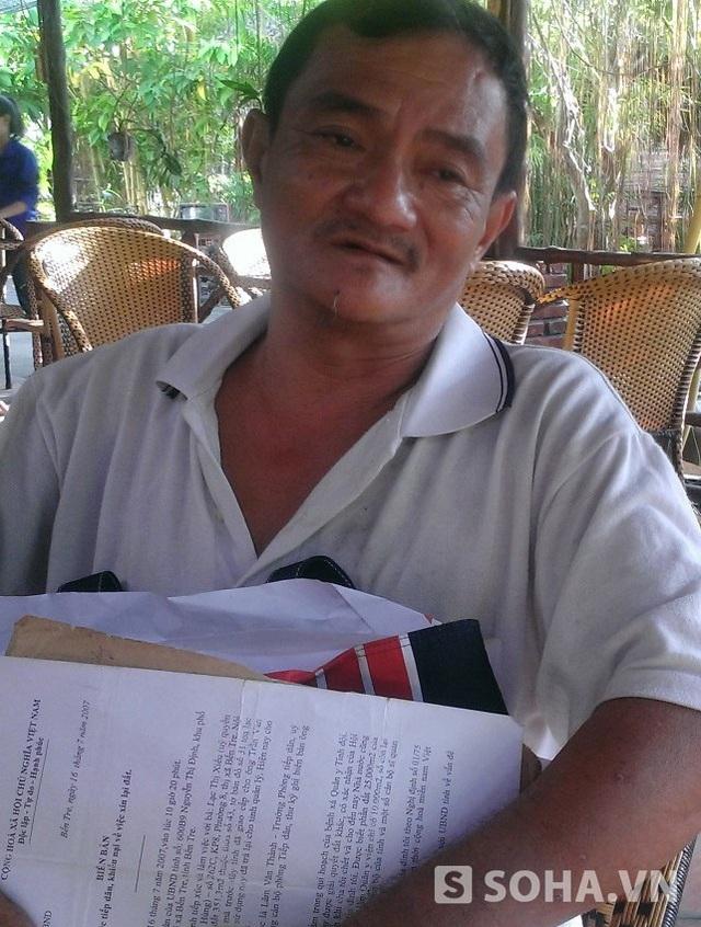 Ông Nguyễn Văn Hùng ở khu phố 2, phường 8, thành phố Bến Tre, đang khiếu nại đòi lại miếng đất của gia đình, trong đó có miếng đất 351m2 của ông Trần Văn Truyền