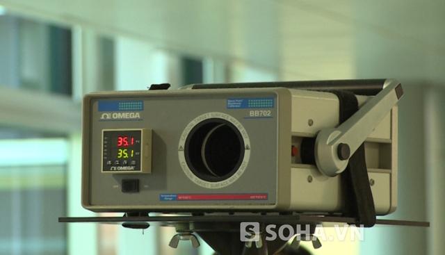 Hiện tại chưa phát hiện người nào khả nghi nhiễm bệnh Abola nhưng các máy đo thân nhiệt đã sẵn sàng làm việc