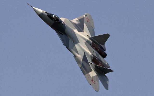 Tiêm kích tàng hình thế hệ năm T-50 của Nga