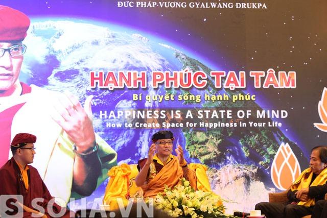 Đức Pháp vương Gyalwang Drukpa chia sẻ tại buổi tọa đàm.