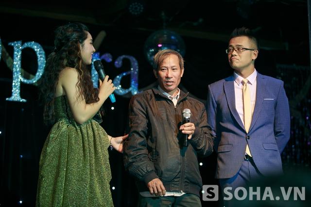 Bảo Trâm mời bác Định lên sân khấu để cảm ơn bác và gia đình đã bớt chút thời gian đến xem cô biểu diễn.Được biết Bảo Trâm rất ngưỡng mộ gia đình bác Định.