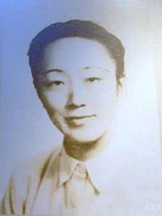 Bà Lý Thúy Trinh, sinh năm 1910, người Nam Hối, Thượng Hải.