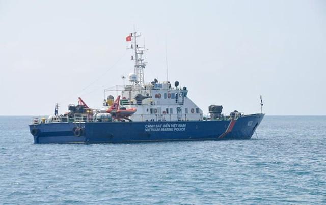 Các tàu TT-400 của lực lượng Cảnh sát biển là phiên bản được nhà máy đóng tàu Hồng Hà đóng thử nghiệm trước khi đóng các tàu pháo TT-400TP cho lực lượng Hải quân.