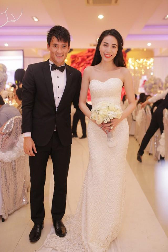 Bộ váy thứ 3 trong lễ cưới của Thủy Tiên.
