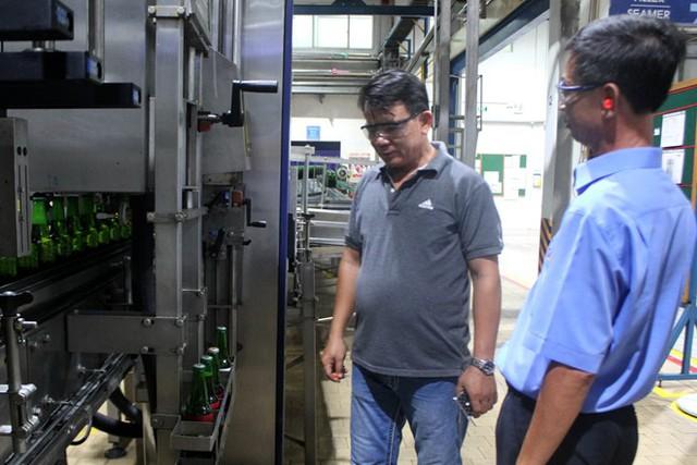 VBL mời anh Lê Thanh Phong, chủ chai bia Heineken có nắp Tiger được tham quan quy trình sản xuất