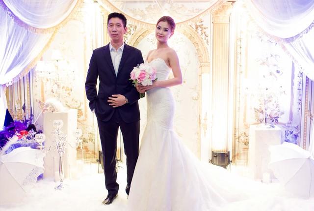 Riêng Á hậu Hoa hậu Việt Nam 2014, cô cho biết sẽ phải sống trách nhiệm hơn với vai trò của người phụ nữ gia đình.