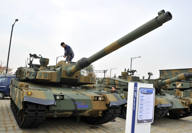 South Korea's main battle tank K2 is displayed during a press day of the Seoul International Aerospace and Defense Exhibition in Goyang, north of Seoul, on October 28, 2013