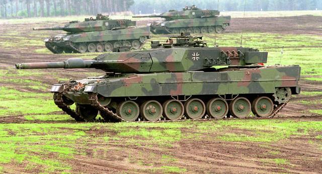Xe tăng Leopard-2A5. Ảnh: Sputnik