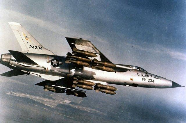 Republic F-105D-30-RE (SN 62-4234) in flight with full bomb load 060901-F-1234S-013.jpg