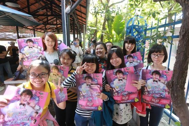 Nhân dịp sinh nhật lần thứ 21, Sơn Tùng cùng ekip chuẩn bị tổ chức một buổi tiệc sinh nhật thân mật với quy mô lớn dành riêng cho mình và khán giả hâm mộ.