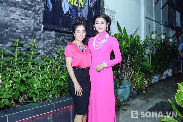 19h45 tối 12/06, đông đảo nghệ sĩ trong nước và hải ngoại đã có mặt trong đêm nhạc gây quỹ ủng hộ Thái Lan Viên.