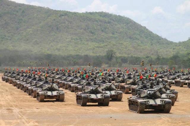Xe tăng thuộc đơn vị thiết giáp cận vệ của nhà vua