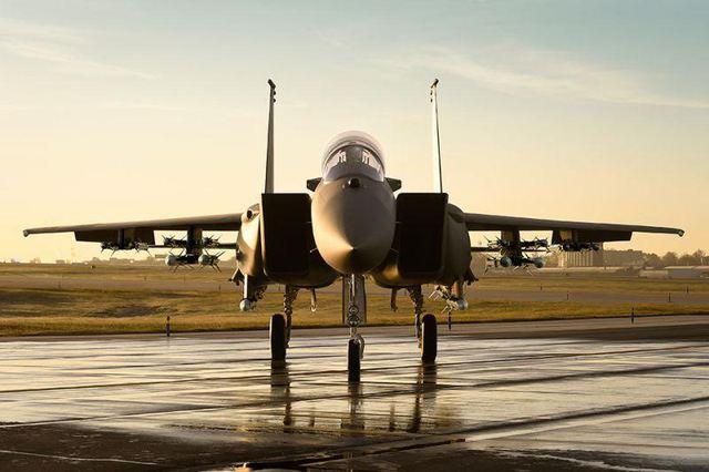 phiên bản F-15SA có khả năng mang vũ khí đối không tăng gấp đôi so với F-15C hoặc F-15E.