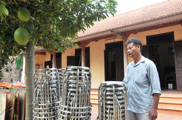 Trưởng thôn Nguyễn Duy Ngôn muốn người dân quê mình tổ chức đám cưới đỡrườm rà, tốn kém hơn