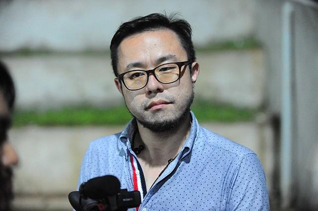 Phóng viên Noki Yoichi.