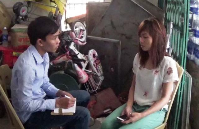 Chị Chung vẫn chưa hết hoảng sợ khi kể lại vụ việc - Ảnh: Doãn Hòa