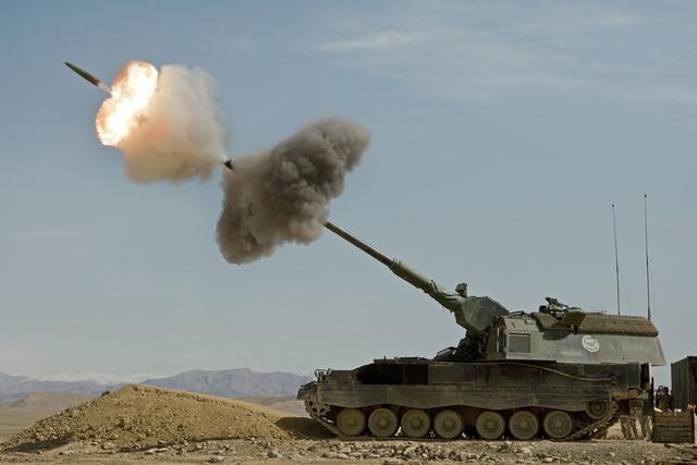 Hệ thống pháo Paladin của Mỹ vẫn chưa thể sánh được với ông hoàng pháo binh PzH 2000.