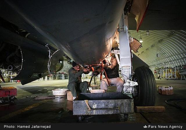 F 14 IRIAF overhauled 7 706x492
