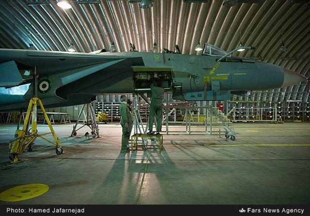 F 14 IRIAF overhauled top 706x492