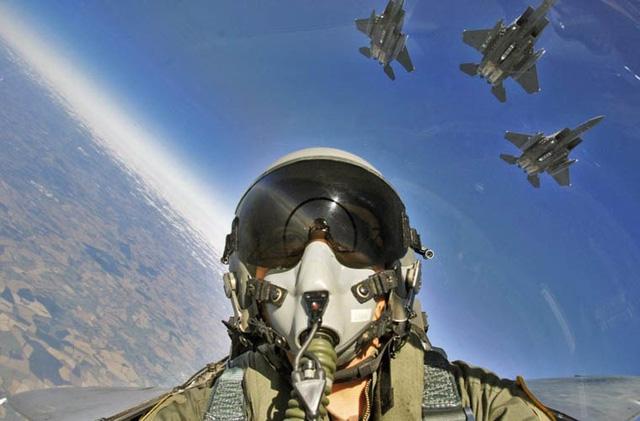 Tính năng của N011M BARS vượt trội hoàn toàn radar AN/APG-63 trên F-15 khi chỉ có thể phát hiện và theo dõi máy bay, các mục tiêu ở khoảng cách trên 160 km.