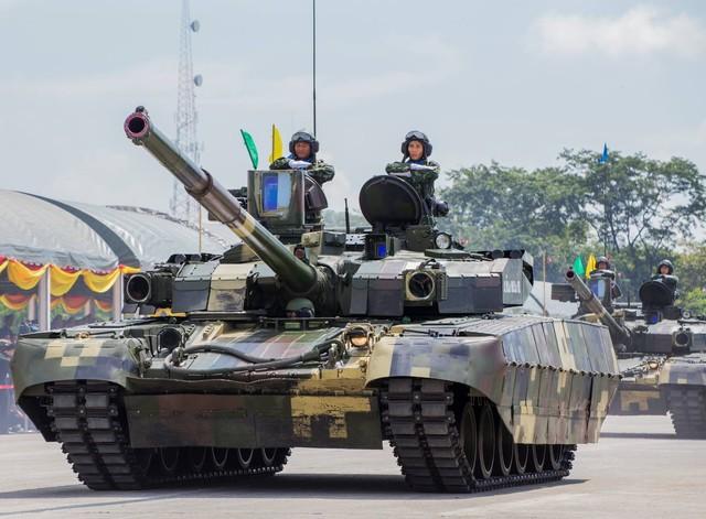 T-84 Oplot-T được hiện đại hóa mạnh mẽ ở hệ thống phòng vệ. Theo đó, Oplot-T được trang bị hệ thống phòng vệ đa lớp gồm: giáp bị động (làm bằng vật liệu tổng hợp composite); giáp ERA chủ động Nozh-2; hệ thống phòng vệ chủ động Zalson hoặc hệ thống gây nhiễu quang học Varta.