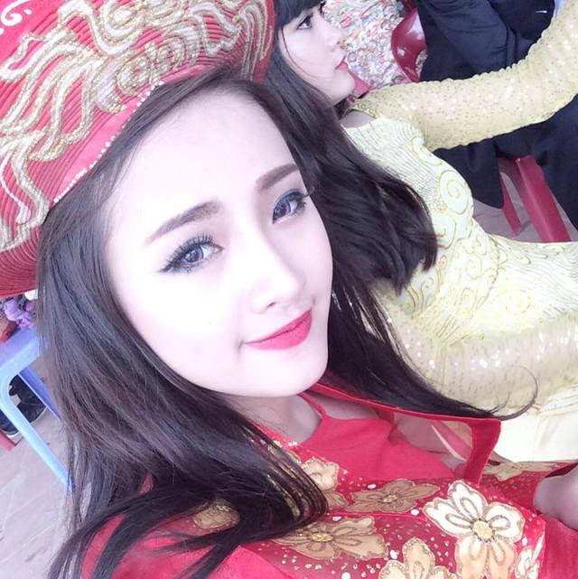 Cô con gái lớn - Nguyễn Vi Anh (20 tuổi) của chị Lan Hương. Được biết, Vi Anh được dân mạng nhớ tới nhiều với nickname Vi Thỏ Lala.