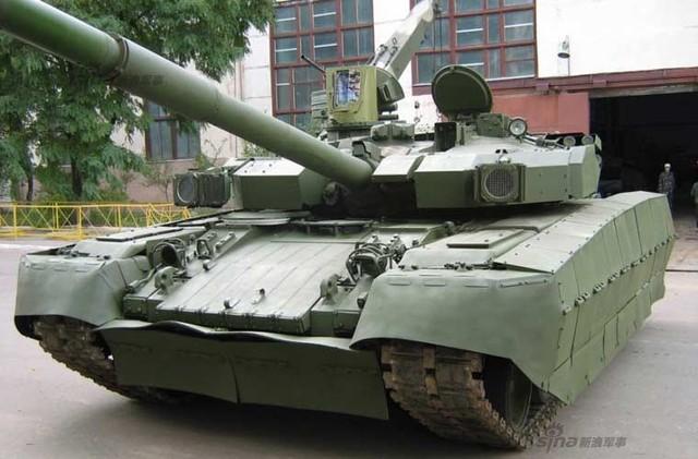 T-84 được trang bị hỏa lực pháo nòng trơn 125 mm KBA-3 tích hợp khả năng bắn tên lửa chống tăng qua nòng, cơ số đạn 46 viên trong đó có 28 viên ở bộ nạp đạn tự động.
