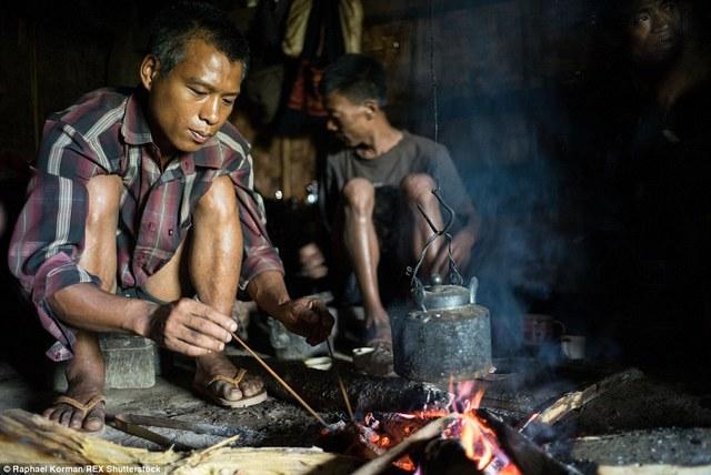 Chính phủ Ấn Độ nỗ lực xóa bỏ tệ nạn ma túy ở đây nhưng nó vẫn còn tồn tại vì ma túy từ biên giới Myanmar luôn sẵn sàng tuồn sang.