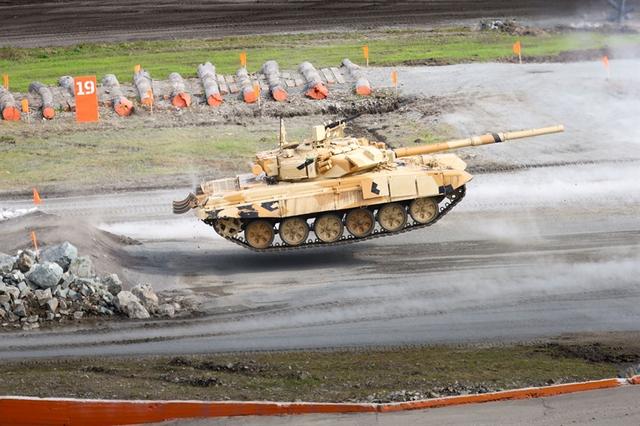 Việc hiện đại hóa tới 400 chiếc T-90S lên T-90MS cho thấy sự chuẩn bị kỹ lưỡng của Nga trước mối đe dọa dọc theo biên giới phía Tây - nơi có các cơ sở xe tăng hiện đại của Mỹ và phương Tây.