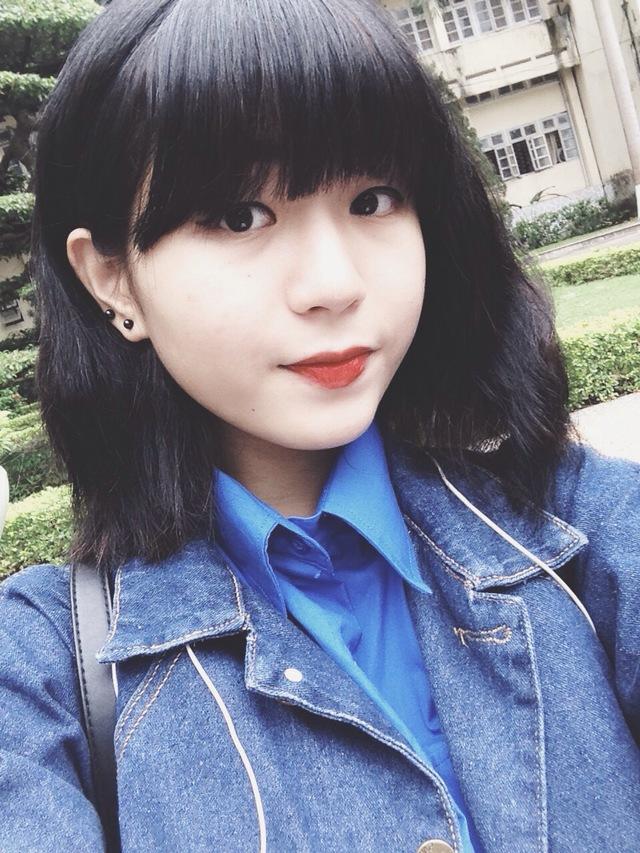 Cha của Linh cũng là một là nhà báo và cũng chính cha là người đã nuôi dưỡng ước mơ hay tạo dựng hình mẫu để trở thành một người làm công tác báo chí.