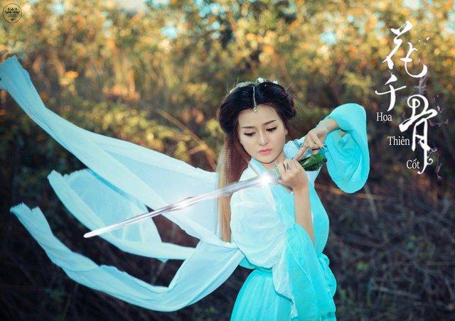 Bà mẹ trẻ Lữ Thùy Vy cosplay nhân vật Hoa Thiên Cốt.